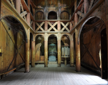 Stave_church_Borgund_interior